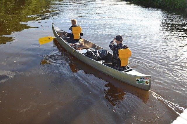canoe-3621368_640