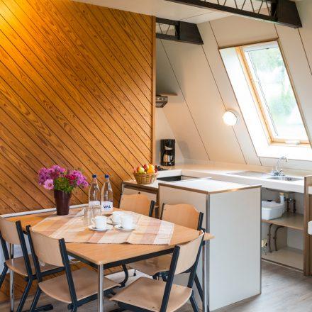 ferienhaus_küche_tisch_qf