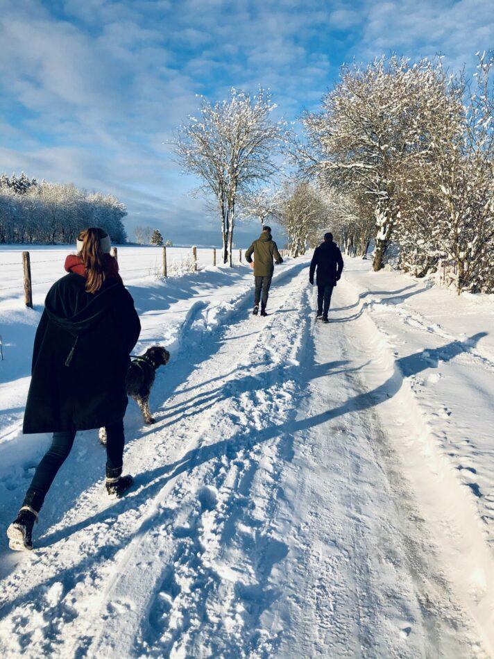 Winter_Wanderer_Schnee_Landschaft_Hund_worriken_Genusstour11